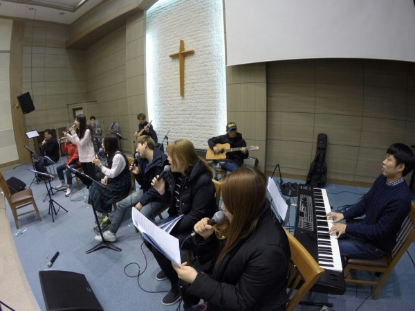 "Jubilee Worship Holds Thursday Gathering ""Boast in the Lord"""