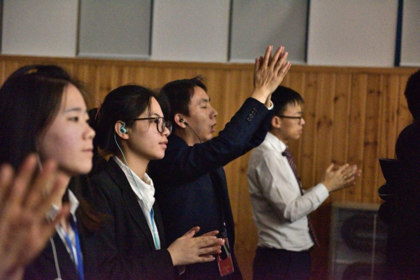 "Jubilee Korea Gives Passion of Praise ""O Holy Night"""